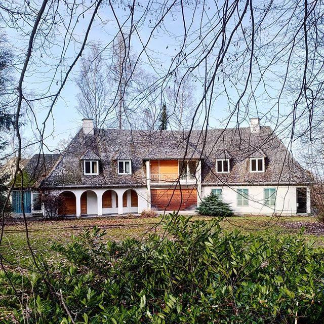 Villa Ruine im Hoefelmayrpark. - Villa, ruine, hoefelmayrpark