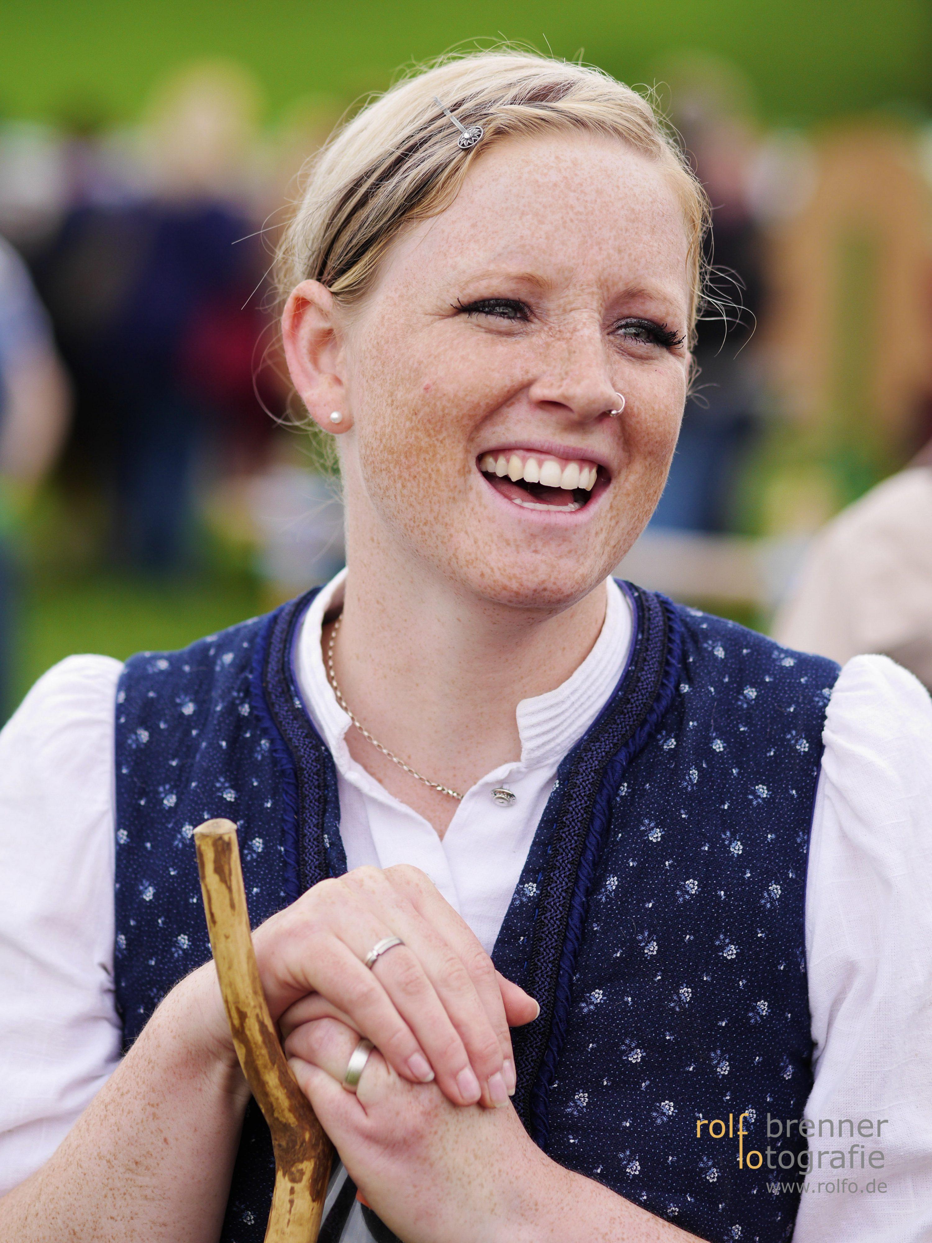 Schöne Frau auf dem Viehscheid in Maierhöfen