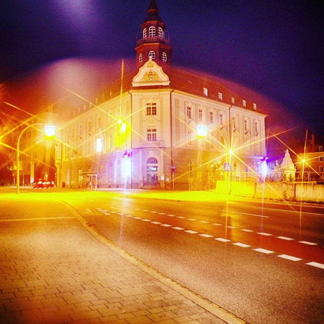 Die Alte Post bei Nacht. #Post #nacht #K ... - nacht, kempten, Post