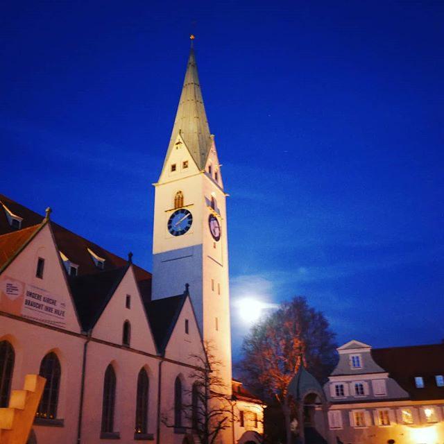 Kirche Sankt Mang und der Vollmond. - Vollmond, sanktmangkirche, sanktmang, nacht, kirche, kemptenerleben