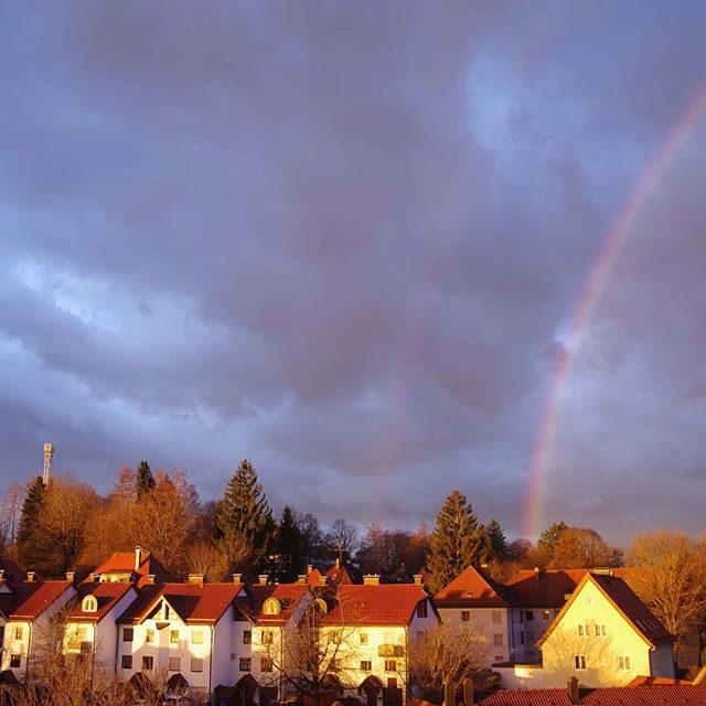 Regenbogen im Haubenschloss. - regenbogen, kemptenerleben, Haubenschloss