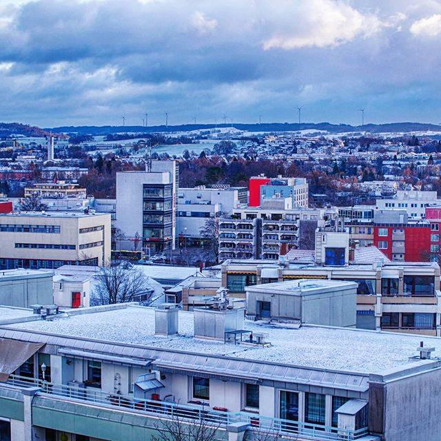 Weiße Dächer in Kempten.