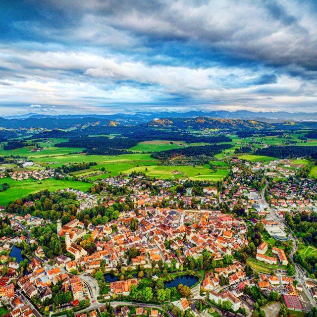 Luftbild von Isny im Allgäu. - luftbild, luftaufnahme, isny, berge, berg, alps, alpen, allgäueralpen, allgäu